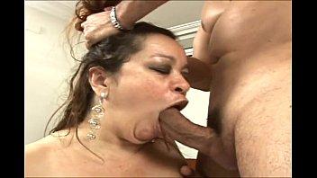 Gorda bem gostosa em sexo com gringo