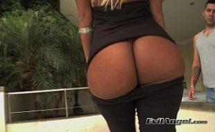 Loira do big bundas brasil em sexo com o moreno