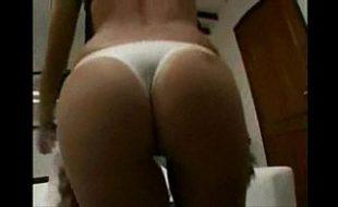 Vadia quente no video amador de sexo dando para seu marido