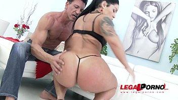 Monica Santiago na orgia e sexo forte com vários dotados